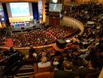 In Versailles im November 2018 auf der Generalkonferenz der Meterkonvention, stimmten alle Delegierten für die Definition von Naturkonstanten für SI-Einheiten.