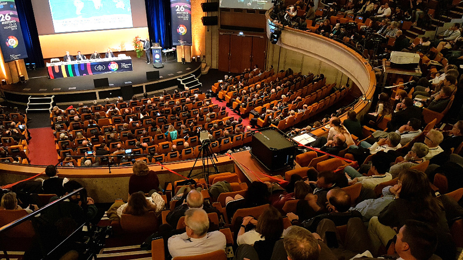 In Versailles in November 2018 at the General Conference of the Metre Convention, all delegates voted for the definition of natural constants in SI units.