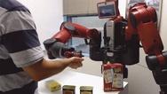 Mensch und Roboter Seite an Seite