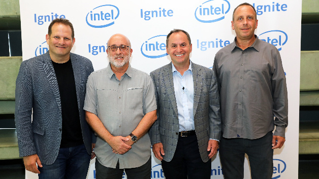Tzahi (Zack) Weisfeld, General Manager und Managing Director von Ignite, Avner Goren, Vice President der Architecture von Intel, Graphics und Software Group, Bob Swan, CEO von Intel und Yaniv Garty, General Manager von Intel Israel starten das  »Ignite«-Programm von Intel in Tel Aviv, Israel.