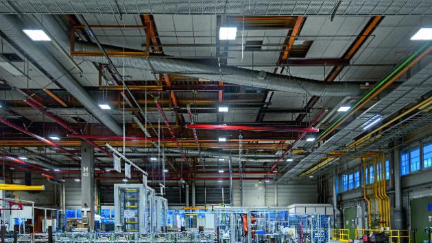 Waldmann Neues Beleuchtungssystem in der Werkshalle: Umfangreiche Umrüstung