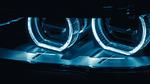 Fahrzeugscheinwerfer im Abblendlichtmodus