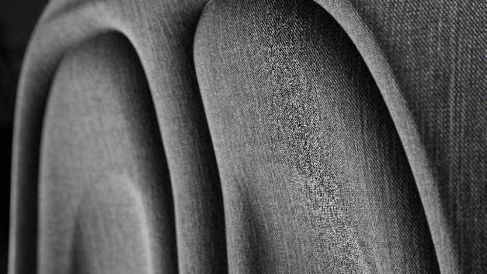 Magna FreeForm: Neue Gestaltungsmöglichkeiten, verbesserter Komfort durch konkave Rückenlehne und einfache Reinigung.