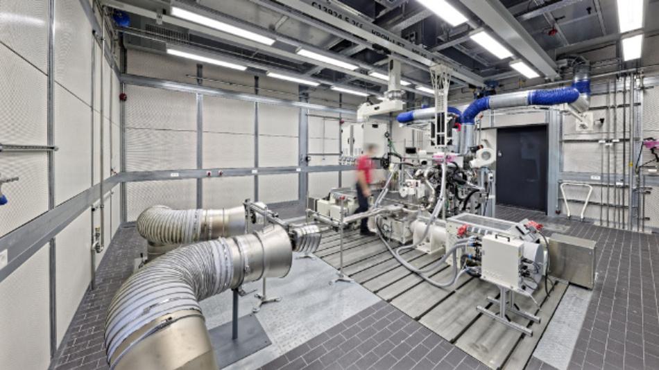 Motorenprüfstand im neuen Antriebsprüfgebäude, Porsche Entwicklungszentrum Weissach