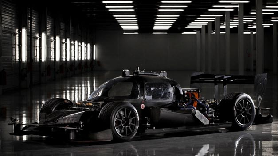 Roborace, das Volkswagen-Kompetenzzentrum Data:Lab Munich und Italdesign arbeiten auf Basis der elektrischen DevBot 2.0 am maschinellem Lernen.