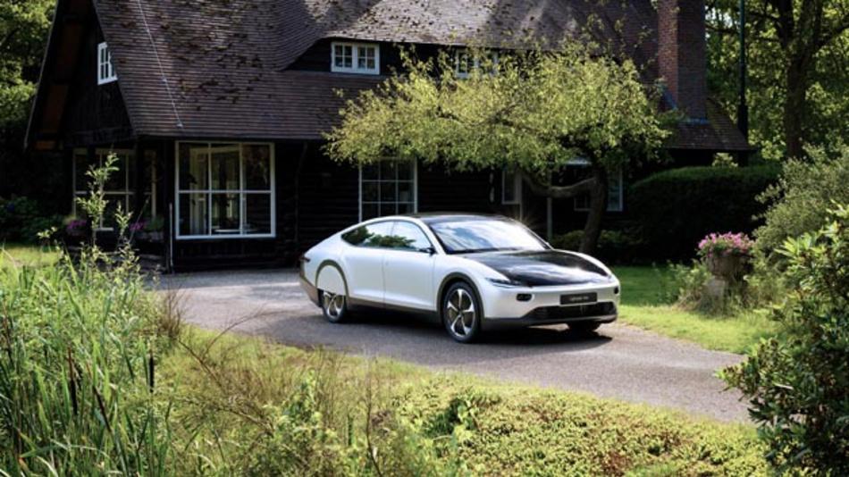 Der Lightyear One ist das erste Solarauto für Langstrecken. Dafür muss man auch den stolzen Preis von 119.000 Euro bezahlen.