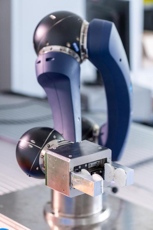 Modularer, selbst programmierender Roboter