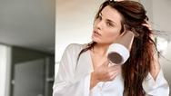 """Haarstyling geht auch ohne Spliss und Co.: Ebenso wie der """"Philips MoistureProtect""""-Haarglätter sorgt auch der Haartrockner der Serie dafür, dass beim Styling die natürliche Feuchtigkeit des Haares erhalten bleibt."""