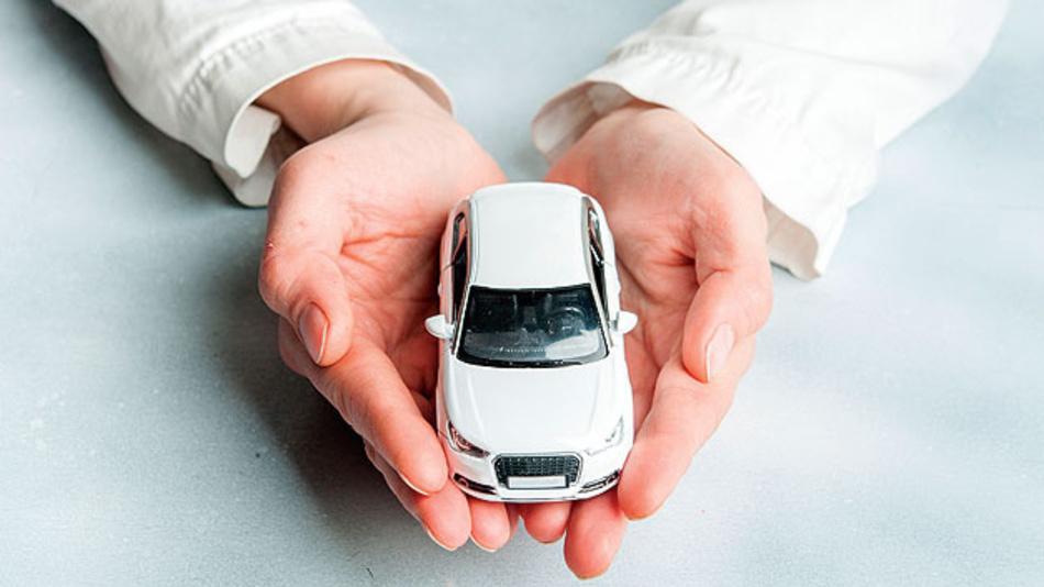 Maßnahmen in vernetzten Fahrzeugen wie Security und Sicherheit sind von Beginn an berücksichtigt.