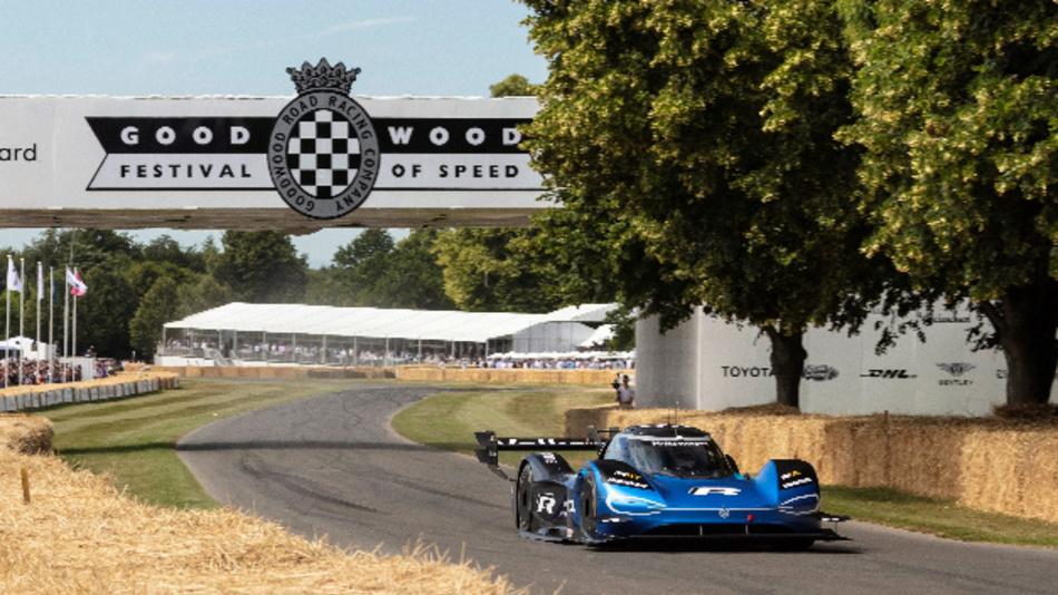 Der Volkswagen ID.R absolvierte den Hillclimb beim »Goodwood Festival of Speed« in weniger als 40 Sekunden.