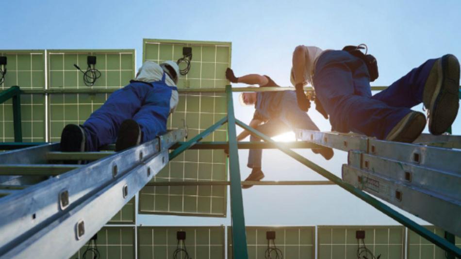 Arbeitsplätze im Bereich Erneuerbare Energien sind nach dem jüngsten Bericht »Renewable Energy and Jobs – Annual Review« der Internationalen Agentur für Erneuerbare Energien (IRENA) auf ein neues Rekordhoch gestiegen.
