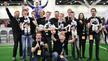B-Human feiert seinen Sieg beim RoboCup 2019 in Sydney.