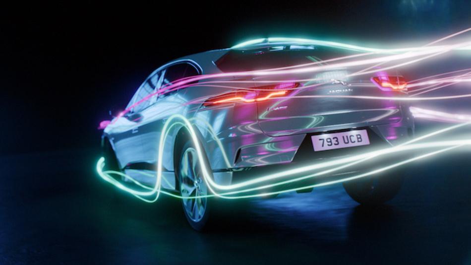 Jaguar Land Rover will nicht nur seine elektrifizierten Fahrzeuge im eigenen Land fertigen, sondern fordert auch eine Giga-Produktionsanlage für Batterien in Großbritannien.
