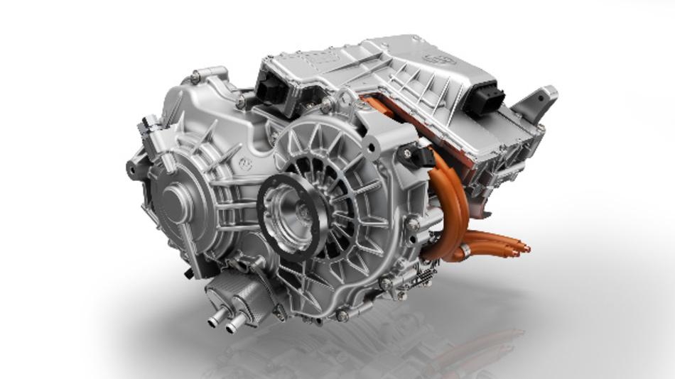 ZF hat einen neuen 2-Gang-Elektroantrieb für Pkw vorgestellt, der eine neu entwickelte elektrische Maschine mit einem Schaltelement und passender Leistungselektronik integriert.