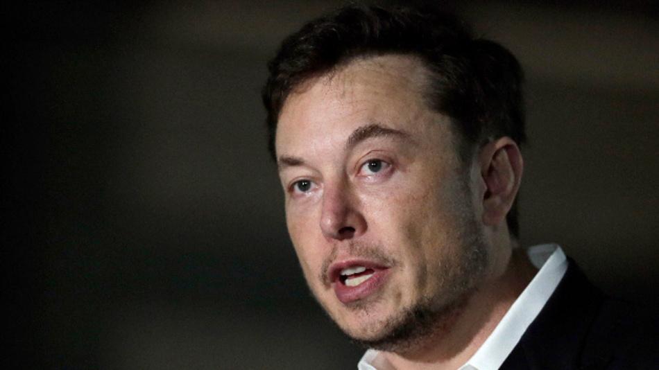 Elon Musk, CEO von Tesla, während einer Pressekonferenz.