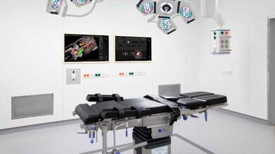 Die Herausforderung: Technik soll dem Arzt helfen und nicht vom Geschehen im OP ablenken.