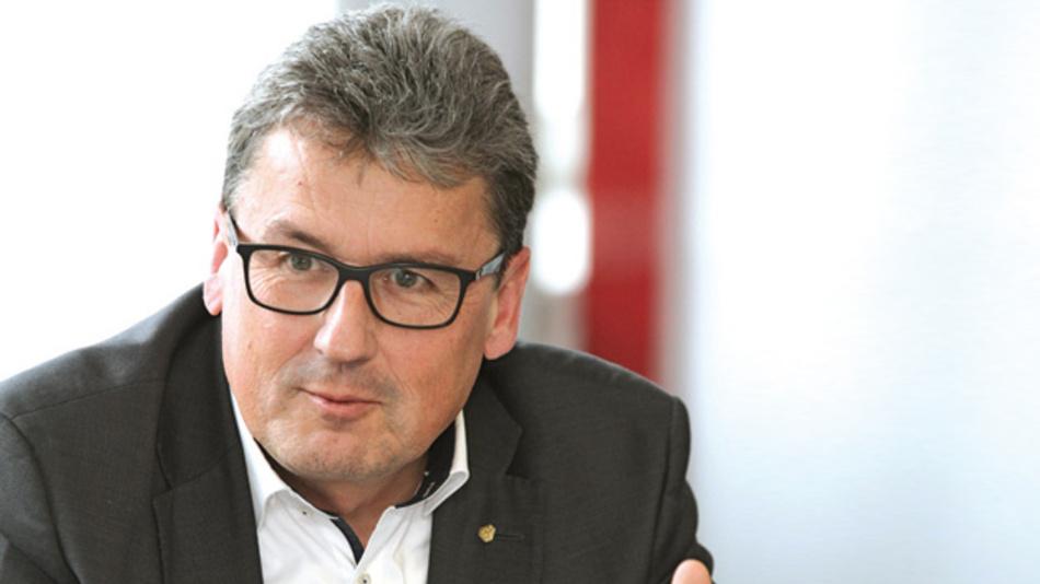 Josef Vissing, TDK Europe  »Die mit unseren Kunden neu geschaffene Transparenz mit mehr Einblick in die Supply-Chain werden wir weiterführen, um besser zu verstehen, wie sich Bedarfe verändern.«