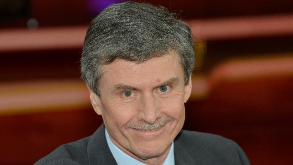 Ferdinand Dudenhöffer, Professor für Betriebswirtschaftslehre und Automobilwirtschaft, bei einer Talk-Show in Berlin.