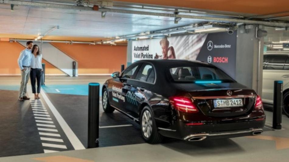 Automated Valet Parking erhält als weltweit erste vollautomatisierte und fahrerlose Parkfunktion (SAE Level 4) die Freigabe der Behörden.