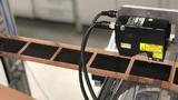 Ein neues Beschichtungsverfahren entwickelt am KIT soll für eine schnelle Produktion von Elektroden für Lithium-Ionen-Batterien sorgen.