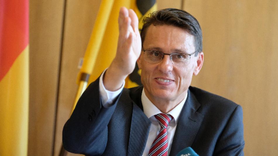 Andreas Singer, Präsident des Landgerichts in Stuttgart, bei einer Pressekonferenz.