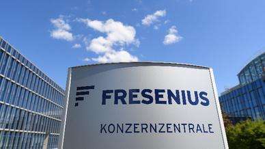 Der Gesundheitskonzern Fresenius SE hat die Umsatz- und Gewinnerwartungen im zweiten Quartal übertroffen und seine Ziele für das restliche Geschäftsjahr angehoben.