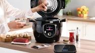 """Ein starkes Team, das Kochanfängern und Profis die Arbeit erleichtert und für kulinarische Abwechslung in der Küche sorgt: Der Multikocher """"Cook4Me+ Connect"""" und die externe vernetzte Küchenwaage - zusammen """"Cook4Me+ Grameez"""""""