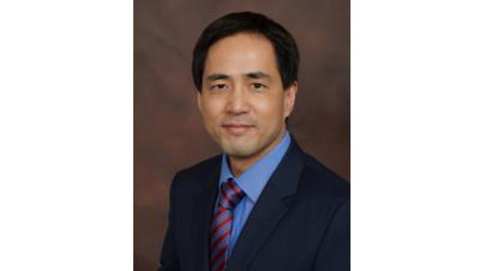 Charlie Zhang, Vorsitzender des FiRa- Konsortiums und Vice President Engineering bei Samsung Electronics: »Wir sind davon überzeugt, dass UWB die Art und Weise verändern kann, wie Menschen Konnektivität erleben. Daher setzt sich das Konsortium für die breite Einführung interoperabler UWB-Techniken ein«.