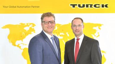 Durch Umstrukturierung die Zukunft meistern: Christian Pauli und Christian Wolf (v. l.), Geschäftsführer der Turck-Holding.