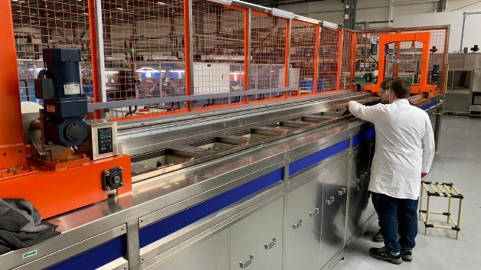 In Föhls chinesischen Werk in Taicang und im deutschen Produktionswerk in Michelau stehen neue Nano-Anlagen.