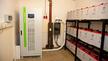 """Der SPS übernimmt das Management aller Energiequellen inklusive der eigenen Erzeugungsanlagen und der Verbraucher. Die Steuerung und Überwachung der eingesetzten Bleigel-Batterien erfolgt über das integrierte Programm """"Battery Care System""""."""