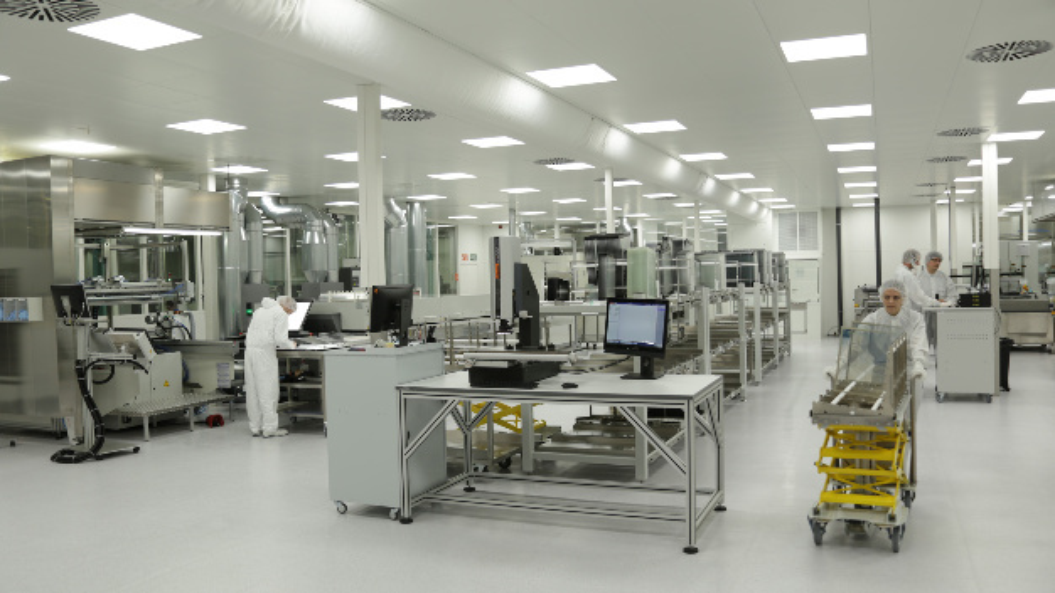 Blick in eine der neuen Glassensor-Fertigungsanlagen von Rafi.