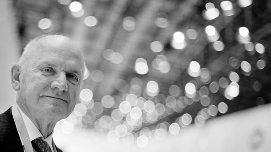 Prof. Dr. Ferdinand Piëch verstarb am 25.08.2019. Zu seinem Gedenken werden in verschiedenen Werken von Volkswagen, darunter in Wolfsburg und Dresden, die Fahnen auf Halbmast gesetzt.