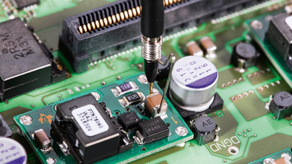 Bild 3. Die Verwendung einer Massefeder sorgt für das beste Signal/Rauschverhältnis bei der Messung des Versorgungsspannungsdurchgriffs.