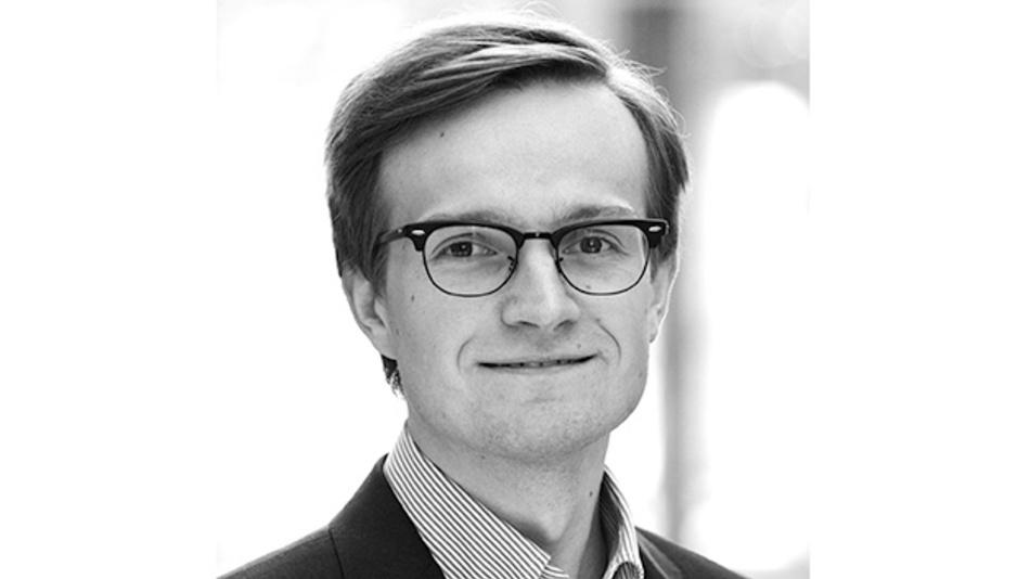 Andreas Ibl ist bei Rohde & Schwarz Produktmanager für Oszilloskope und betreut mehrere Oszilloskop-Serien. Nach dem Master-Abschluss in Ingenieurwesen an der Fachhochschule Landshut war er zunächst in den USA und China tätig. Neben Stabilitätsmessungen liegt sein technischer Fokus auf Leistungselektronik und Power Integrity.