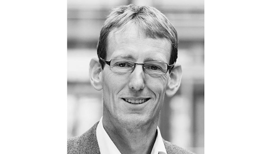 Marcus Sonst, arbeitet seit 2019 als Applikationsingenieur für Power Management bei Rohde & Schwarz mit Fokus auf Messungen im Zeitbereich für Anwendungen in der Leistungselektronik. Nach seinem Abschluss als Diplom-Ingenieur der Elektrotechnik an der Fachhochschule Dortmund folgten berufliche Stationen bei Diehl Aerospace und bei Osram.