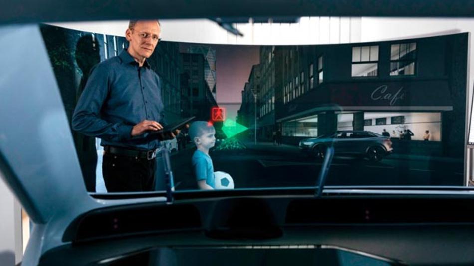 SeeReal in Dresden: Dort wird auch an Head-Up-Displays mit Augmented Reality Technologie geforscht. Das ist ein wichtiges Forschungsfeld für den Automobilhersteller.