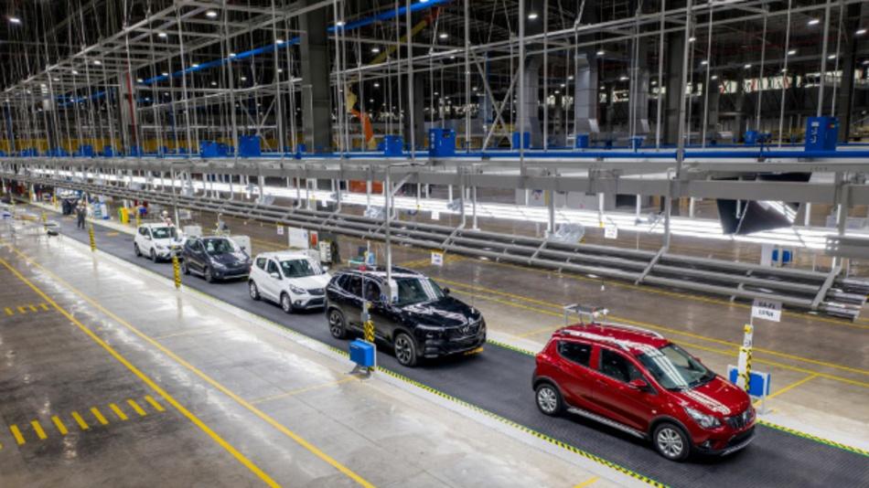 VinFast, Vietnams erster Automobil-Serienhersteller, hat durch den Einsatz integrierter Software- und Hardware-Lösungen von Siemens seine ersten Autos schneller als geplant produziert.
