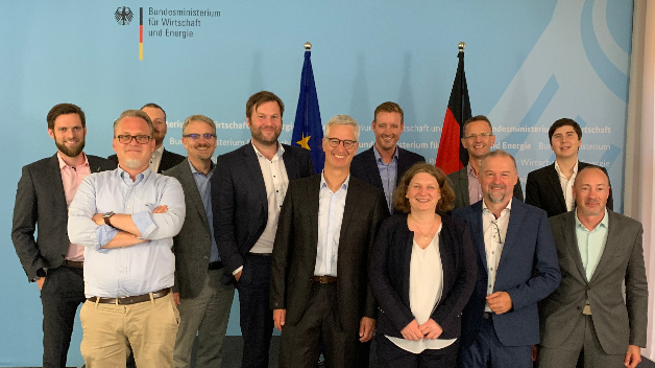 """KI-Innovationswettbewerb des Bundesministeriums für Wirtschaft und Energie (BMWi): Projekt SPAICER »Skalierbare Adaptive Produktionssysteme durch KI-basierte Resilienz-Optimierung"""" für Förderung ab 2020 nominiert."""