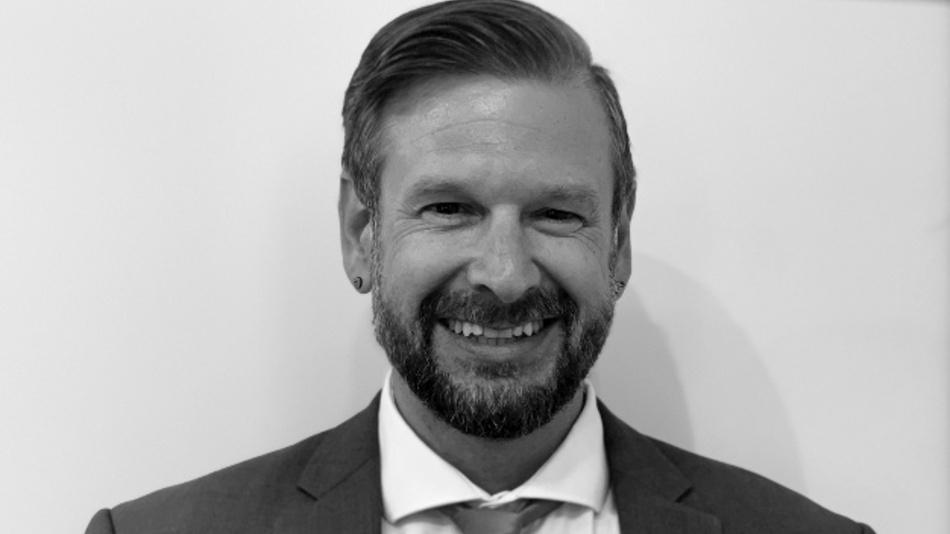 Martin Reizner arbeitet seit über vier Jahren für den Sensorik-Hersteller Standex Electronics in Singen als Product Manager Magnetic Position Sensors und ist dort für die Betreuung und Beratung von Kunden verantwortlich. Zuvor sammelte er bereits über 10 Jahre Erfahrung in der Magnetventiltechnik und Automobilindustrie.