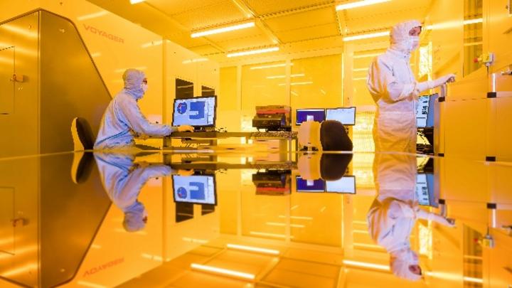 Reinraum für die Herstellung dünner Schichten für die Mikroelektronik.
