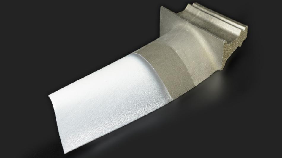 Turbinenschaufel mit dünner Keramikbeschichtung aus Yttrium-stabilisiertem Zirkoniumoxid (YSZ): eine solche Wärmedämmschicht ermöglicht eine höhere Betriebstemperatur in der Turbine, wodurch sich die Treibstoff-Ausbeute verbessert.