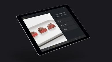 """Der """"CookAssist"""" hilft in Verbindung mit den """"TempControl""""-Induktionskochfeldern von Miele bei der Zubereitung des perfekten Steaks."""