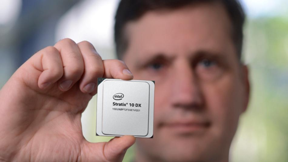 Neues FPGA Stratix 10 DX von Intel unterstützt zwei Prozessor-Schnittstellen mit hohen Datenübertragungsraten.