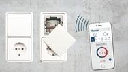 Ebenfalls per App und via Bluetooth-Low-Energy-Technologie funktioniert Thebens Universaldimmer DIMAX 544 plus P zur Unterputz-Montage.