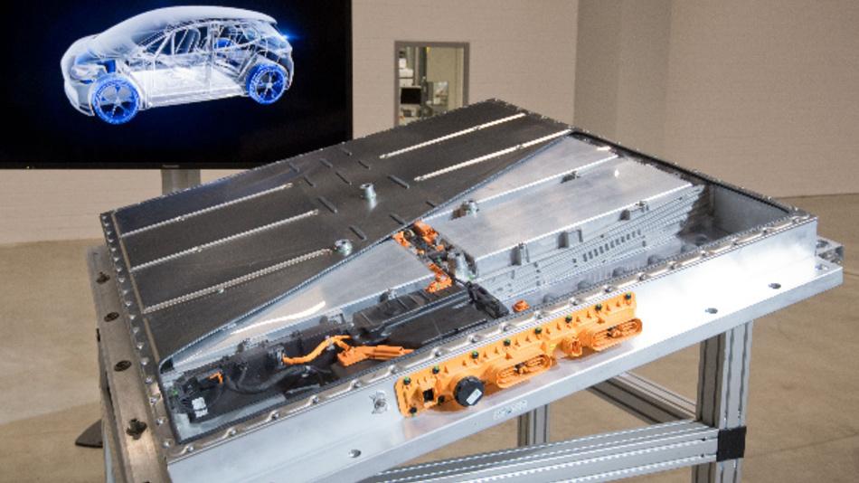 Ein MEB Batteriesystem eines Elektroautos Volkswagen ID.3 steht im VW Werk Salzgitter. Volkswagen hat mit der Produktion eigener Batteriezellen für Elektroautos begonnen.