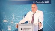 """Peter Altmaier, Bundesminister für Wirtschaft und Energie, spricht auf der Konferenz """"Mega-Ökosystem Smart Living"""", die das BMWi am 23. September gemeinsam mit der Wirtschaftsinitiative Smart Living in Berlin veranstaltet hat."""