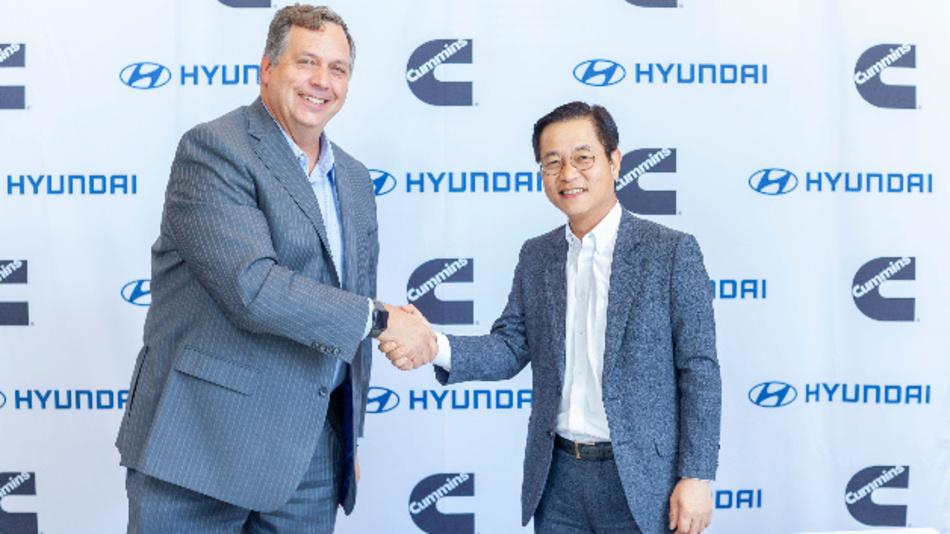 Thad Ewald, Vice President Corporate Strategby von Cummins und Saehoon Kim, Vice President und Head of Fuel Cell Group von Hyundai, arbeiten im Bereich der Brennstoffzellentechnik künftig zusammen.