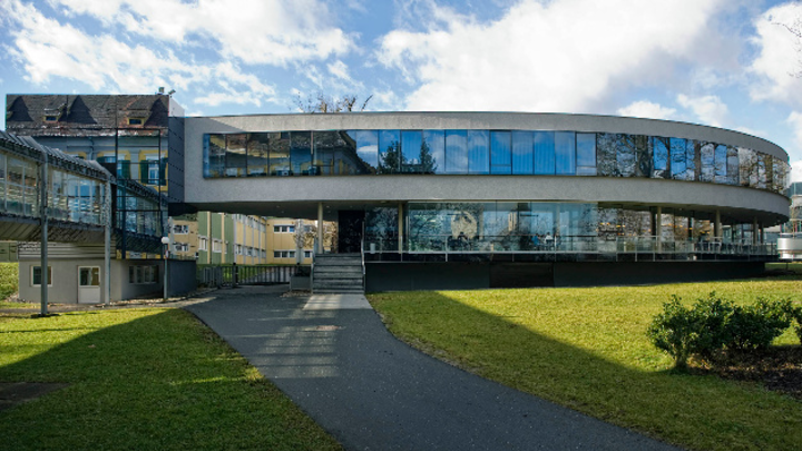 Blick auf den Firmensitz von ams in Premstätten.