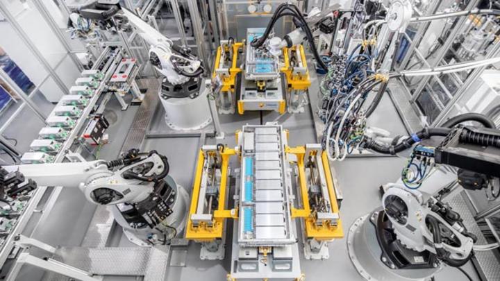 Webasto hat in Deutschland mit der Batteriefertigung für Elektrofahrzeuge begonnen.